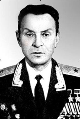 Мемориальная доска Кириллу Алексеевичу Евстигнееву