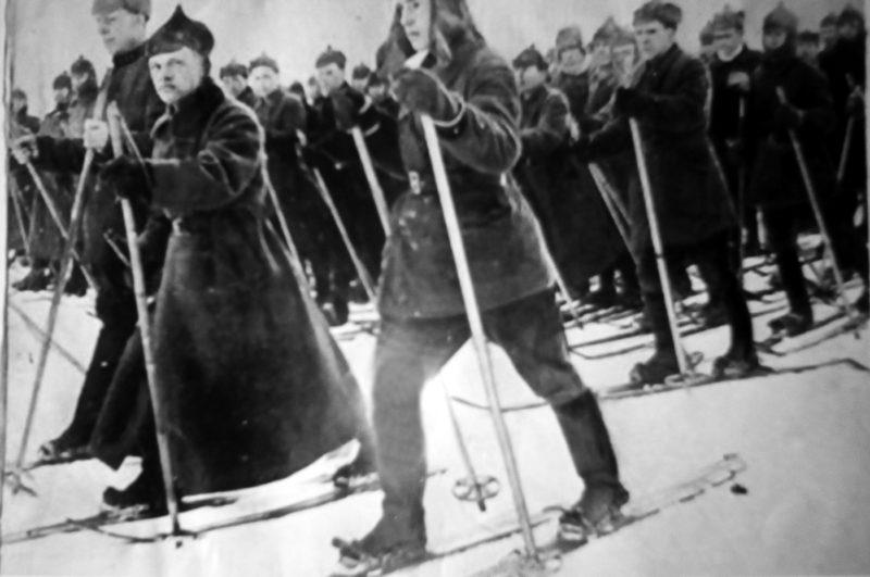Мемориальная доска 32-му лыжному полку