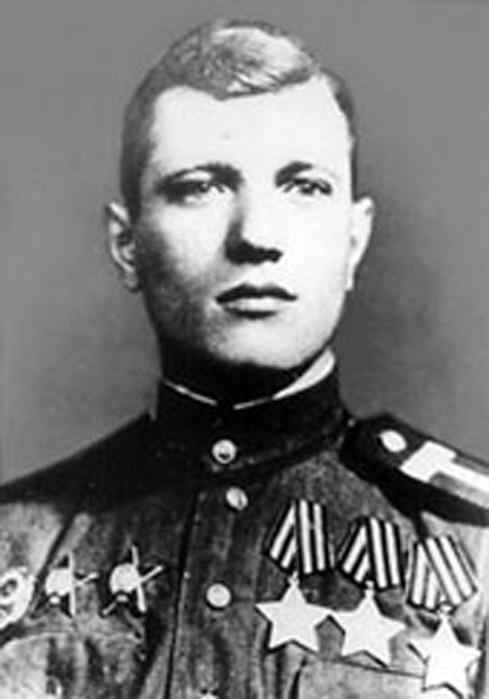 Мемориальная доска Геннадию Петровичу Чурикову