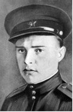 Мемориальная доска Дмитрию Михайловичу Крутикову
