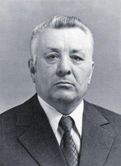 Мемориальная доска Александру Ивановичу Махневу
