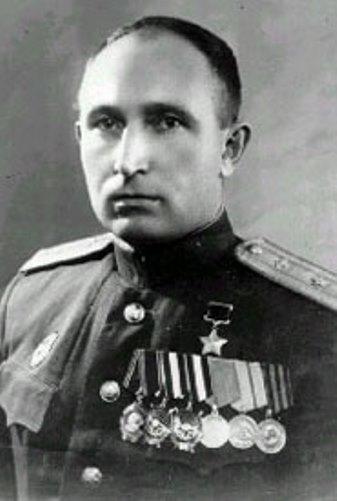 Мемориальная доска Ивану Степановичу Волкову