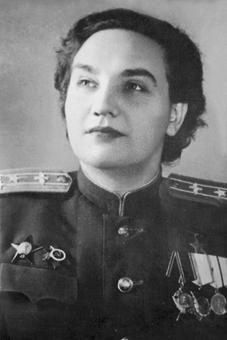 Мемориальная доска Валентине Степановне Гризодубовой